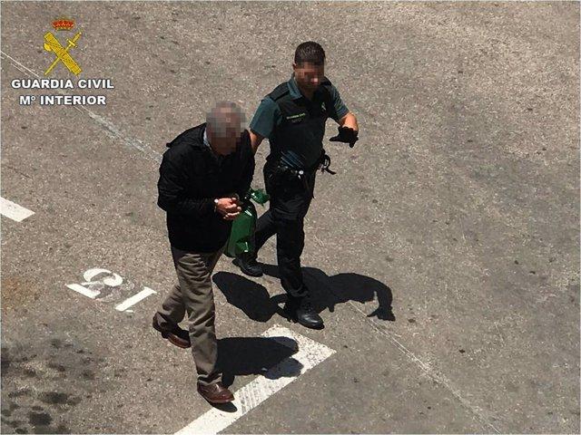 """Alicante.- Sucesos.- Detenido un hombre por intentar matar a su propio hijo por """"viejas rencillas familiares"""""""