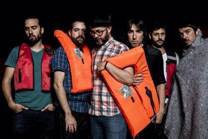 El fotógrafo Alfredo Arias reúne a más de 20 músicos españoles en una exposición sobre la crisis migratoria