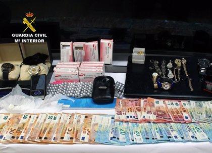 Desmantelan un punto de venta de droga en Murcia con cuatro detenidos de una familia