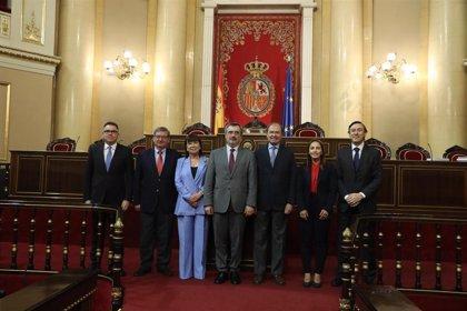 Senado concede su medalla de oro a García-Escudero, que podrá proponer quién le retrata para la galería de Presidentes