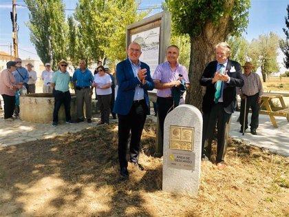 Santervás de Campos (Valladolid) inaugura un área de descanso del Camino de Santiago