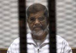 Mor l'expresident d'Egipte Mohamed Mursi (STRINGER EGYPT / REUTERS - Archivo)
