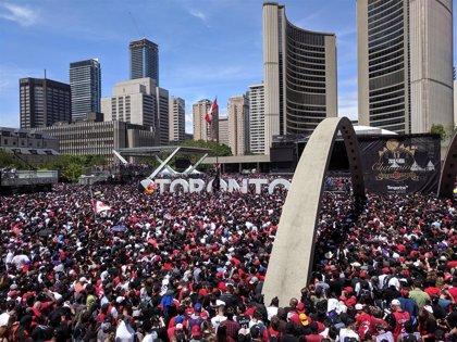 Cuatro heridos de bala por disparos durante la celebración del título de la NBA en Toronto