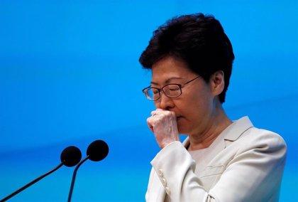 """La líder de Hong Kong se disculpa y pide """"otra oportunidad"""" a los manifestantes"""