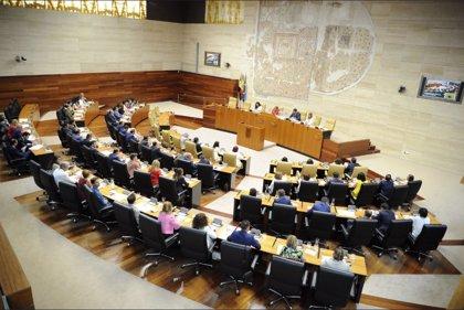 Arranca la X Legislatura en la Asamblea de Extremadura, con mayoría absoluta del PSOE y Blanca Martín como presidenta