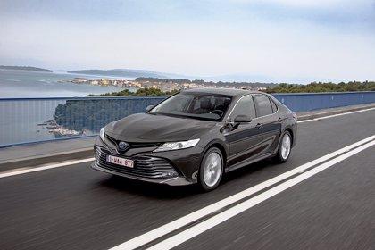 Toyota inicia la venta en España de la octava generación del Camry, que cuenta con motor híbrido