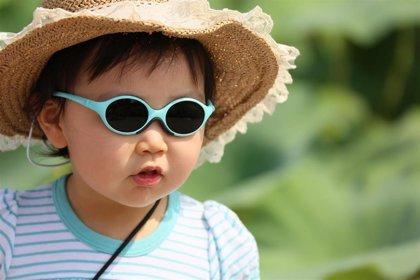 Gafas de sol, imprescindibles desde el primer año de vida