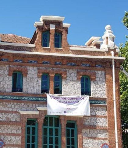 El Gobierno municipal de Madrid retira las pancartas contra las violencias machistas de los edificios institucionales