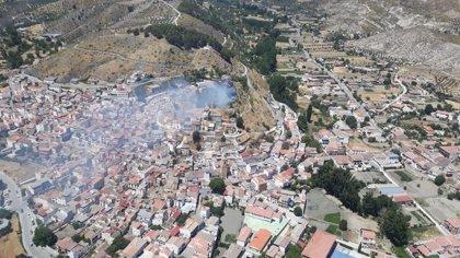 Extinguido el incendio en el entorno del embalse de Francisco Abellán de La Peza (Granada)