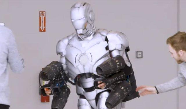 Adam Savage construye un traje real de Iron Man... ¡Que puede volar!