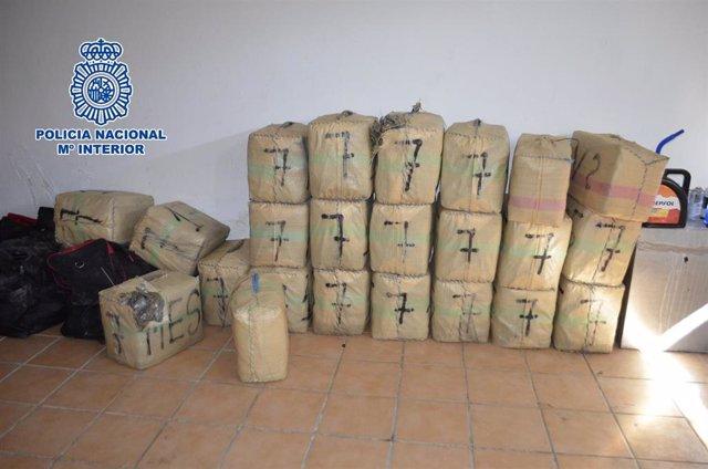 Málaga.- Sucesos.- Cae una célula dedicada al tráfico internacional de drogas a través de camiones de gran tonelaje