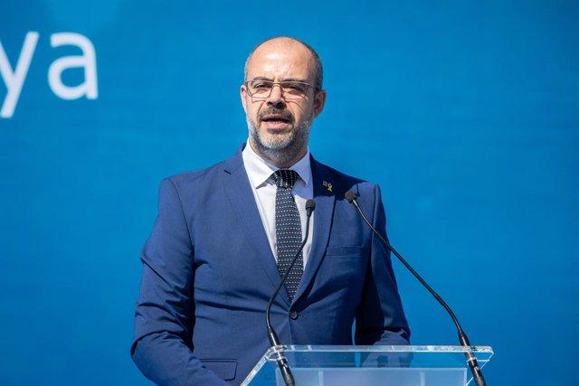 """Av.- Buch, als nous agents: el Govern treballa per """"normalitzar"""" la situació en Mossos"""