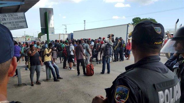 Una nueva ola cubanos busca asilo en EEUU inspirados en las caravanas de migrantes centroamericanos