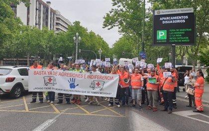 Trabajadores de ambulancias piden más medios y se les considere autoridad frente a agresiones