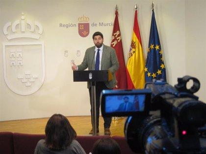 """López Miras afirma que el PP está cerrando un """"acuerdo programático"""" y confirma una reunión con Cs """"lo antes posible"""""""