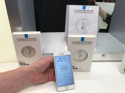 La Roche-Posay lanza un 'wearable' sin batería que mide la exposición solar