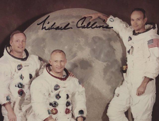 """Foto de la tripulación del Apolo 11 hallada """"en el fondo de una caja"""""""