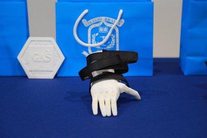Alumnos del Brains International Schools realizan un proyecto pionero para imprimir en 3D prótesis de brazo