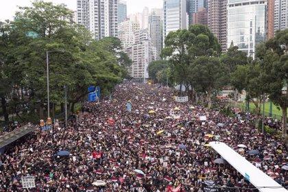 """El Gobierno chino pide a otros países que saquen su """"mano negra"""" de Hong Kong"""