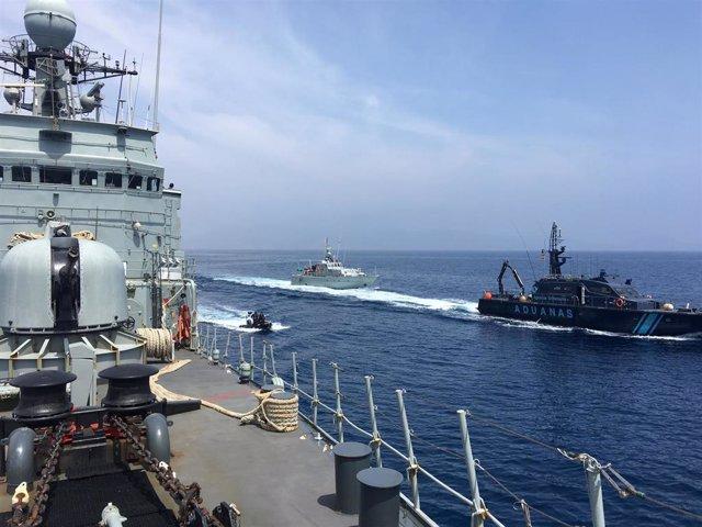 El Ejército desarrolla un ejercicio de operación antidroga en aguas de Cartagena
