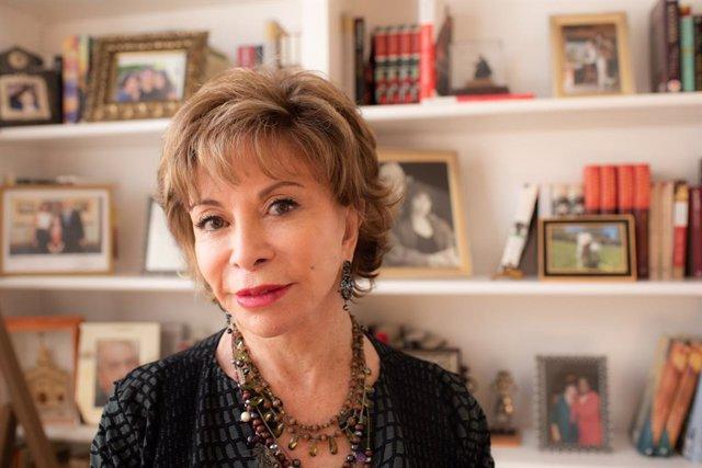Isabel Allende gana el Premi Internacional de Novella Histrica Barcino