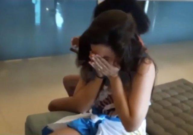 Una joven brasileña que aprendió español para cumplir su sueño, lo consigue y conoce a Messi