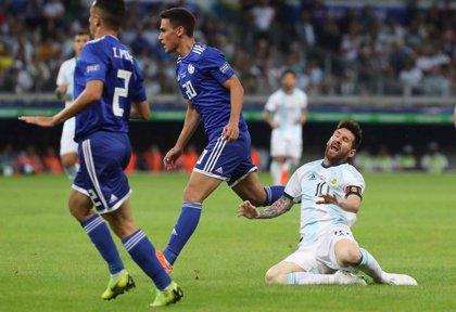 """Leo Messi: """"Tenemos que ganar por lo menos un partido para pasar, si no es muy difícil"""""""