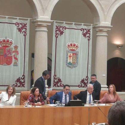 Unidas entra en la Mesa y el socialista Jesús María García es elegido presidente