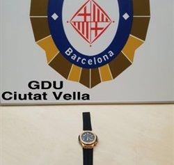 Detenen el presumpte lladre d'un rellotge de 30.000 euros i el tornen a la seva víctima (GUARDIA URBANA DE BARCELONA)