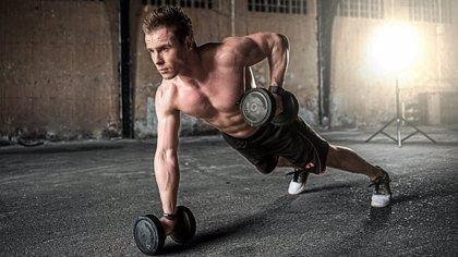 Un programa de entrenamiento de alta intensidad de 10 semanas no cambia el peso pero sí mejora la composición corporal