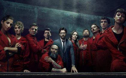 Póster oficial de La Casa de Papel 3 con El Profesor y todo su equipo