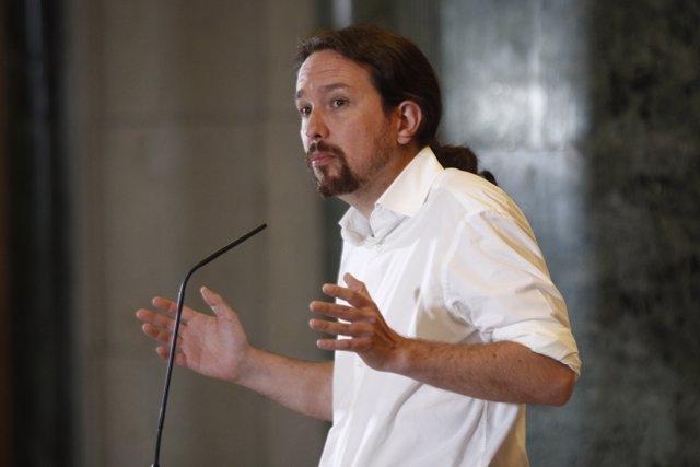 Iglesias dice que el acuerdo de Valencia, con Podemos en una vicepresidencia, es un ejemplo de gobierno de cooperación