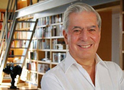 """Vargas Llosa reconoce que aún siente """"pánico y terror"""" al comenzar a escribir una nueva novela"""