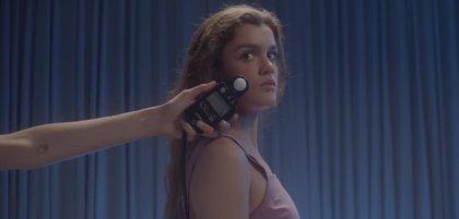 Amaia presenta Nadie podría hacerlo, delicada nueva canción (y videoclip con imágenes caseras de su infancia)