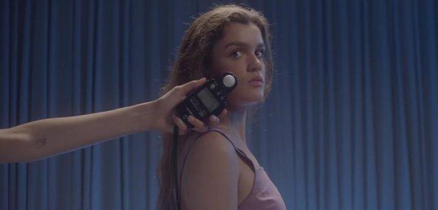 Amaia presenta Nadie podría hacerlo, delicada nueva canción (con videoclip con imágenes caseras de su infancia)