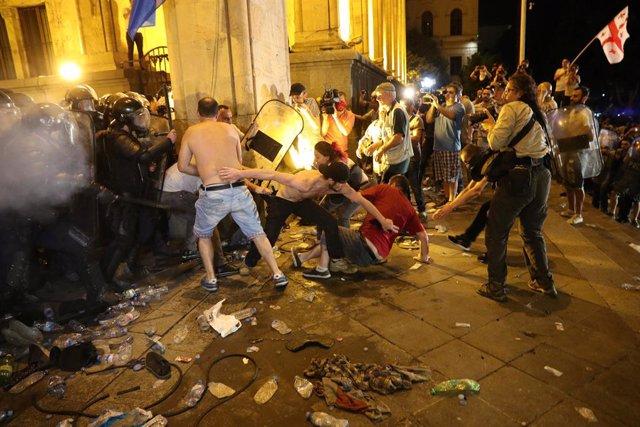 AMP.- Georgia.- Más de medio centenar de heridos durante los disturbios por la visita de un diputado ruso a Georgia