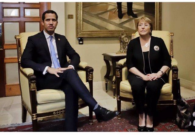 """El autoproclamado """"presidente encargado"""" de Venezuela, Juan Guaidó, y la Alta Comisionada de Naciones Unidas para los Derechos Humanos, Michelle Bachelet"""
