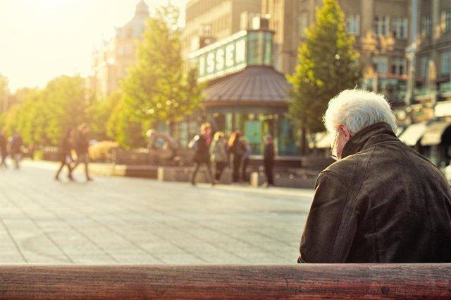 Mayor, anciano, soledad