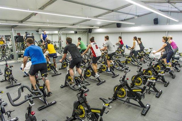 Gimnasio, ejercicio, spinning
