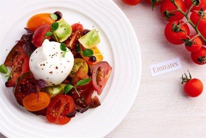 Emirates renueva sus menús de verano para incorporar frutas de temporada