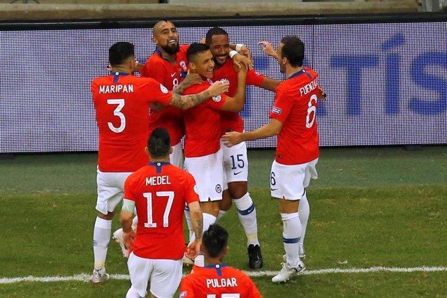 Alexis Sánchez, Arturo Vidal, Medel y Maripán en el Ecuador-Chile de Copa América