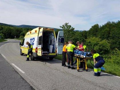Trasladado en helicóptero un ciclista holandés tras sufrir una caída en Espinal