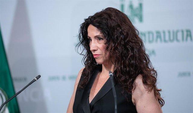 La consejera de Igualdad, Políticas Sociales y Conciliación, Rocío Ruiz en rueda de prensa posterior al Consejo de Gobierno en una imagen de archivo