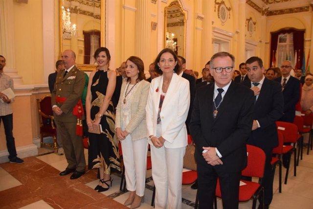 Reyes Maroto y el nuevo presidente de Melilla en el acto de toma de posesión del representante de Cs
