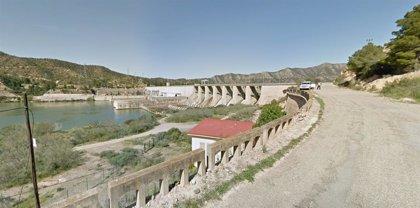 Cuatro heridos por una deflagración en la hidroeléctrica de Riba-Roja (Tarragona)