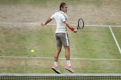 Federer buscará su décimo título en Halle ante el belga Goffin