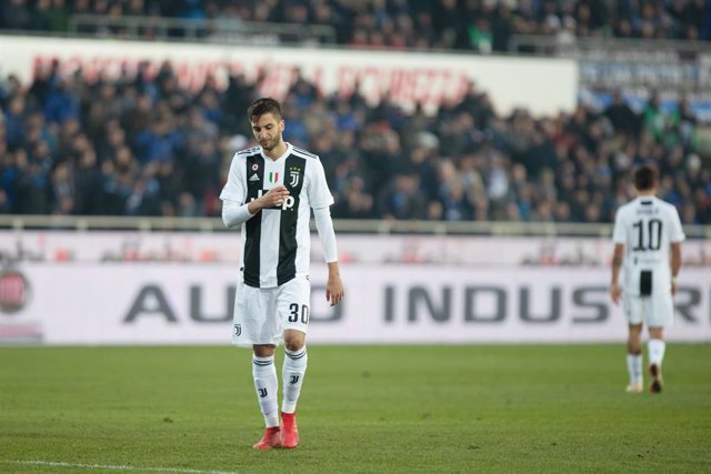 Rodrigo Bentancur of Juventus sent off after received a red card during the Italian championship Serie A football match between Atalanta and Juventus on December 26, 2018 at Atleti Azzurri d\'Italia stadium in Bergamo, Italy - Photo Morgese - Rossini / DP