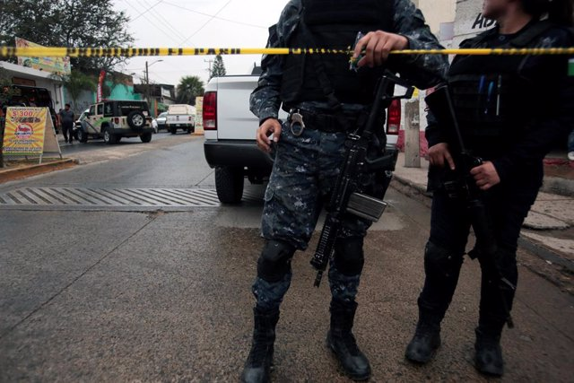 Policías en México
