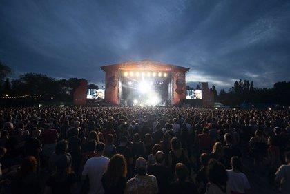 Más de 36.000 personas asisten al Azkena Rock Festival de Vitoria, mayor cifra que en la edición del pasado año