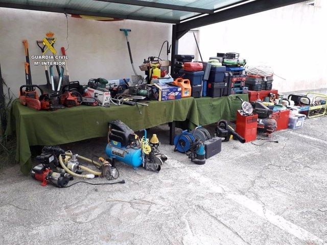 Imatge dels objectes recuperats per la Guàrdia Civil.